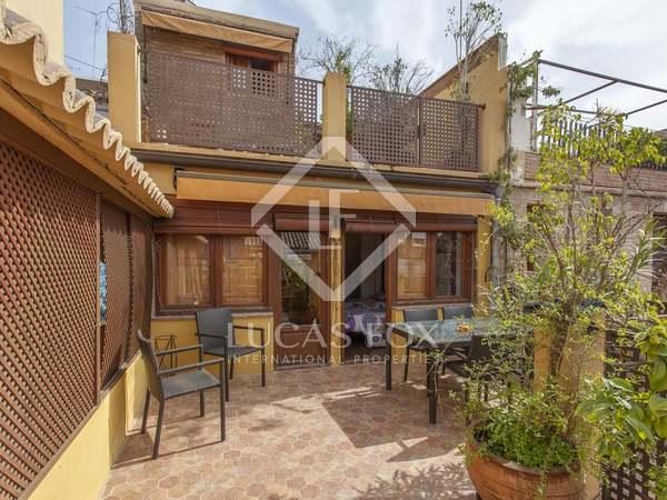 Huis / Villa van 200m² te koop met 80m² terras in Playa de la Malvarrosa