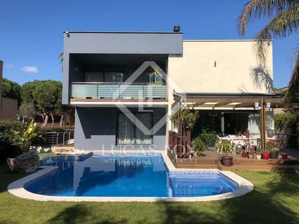 Villa de 535m² en venta en Gavà Mar, Barcelona