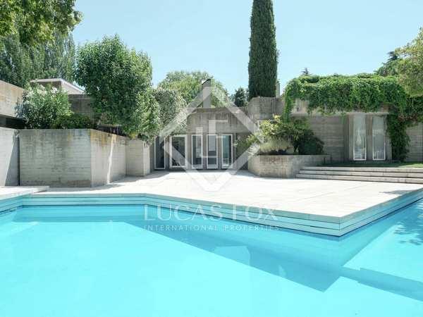 Huis / Villa van 1,077m² te koop in Pozuelo, Madrid