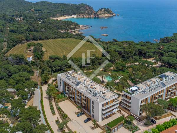 104m² Apartment with 300m² garden for sale in Palamós