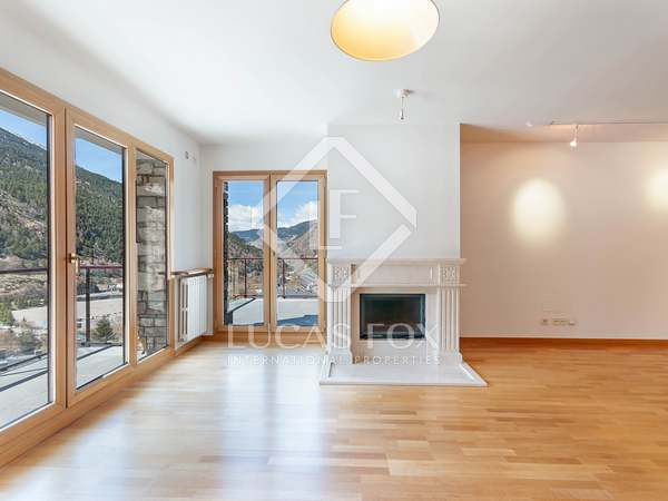 238m² Apartment with 36m² terrace for sale in Grandvalira Ski area