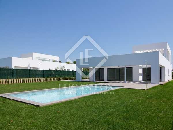 590m² House / Villa for rent in Bétera, Valencia