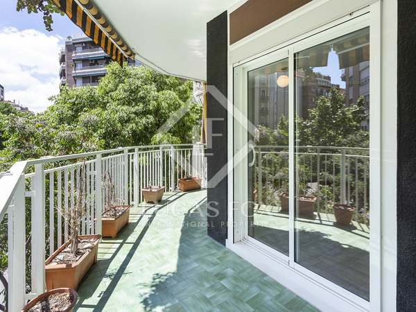106m² Apartment with 13m² terrace for rent in Eixample Right