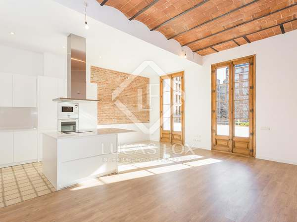 Appartamento di 145m² con 15m² terrazza in affitto a Eixample Destro