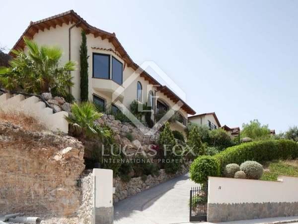 Casa de 5 dormitorios en venta en Sitges, con piscina