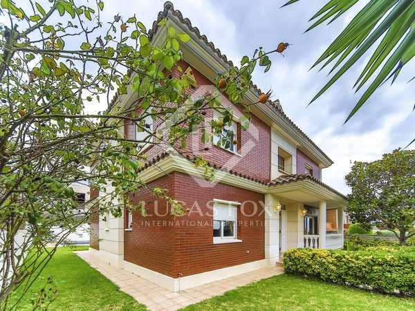 366m² House / Villa for sale in Calafell, Costa Dorada