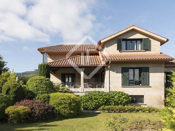 576m² Golf property for sale in Pontevedra, Galicia