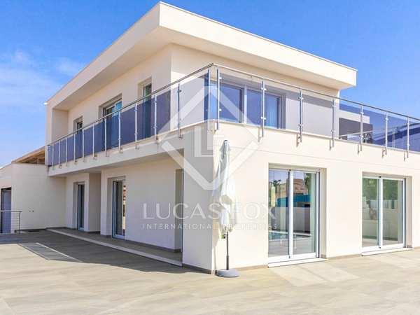203m² House / Villa for sale in Alicante ciudad, Alicante