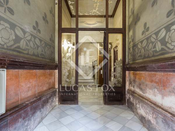 113m² apartment with 15m² terrace for sale in Eixample Right