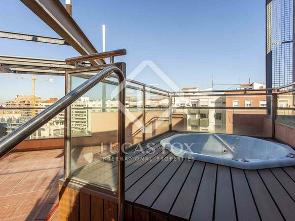 84m² penthouse with 60m² terrace for sale in El Pla del Real