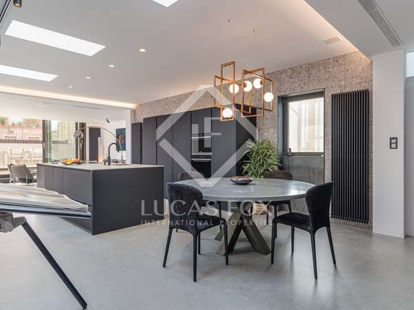 146m² Penthouse with 176m² terrace for sale in Eixample Right
