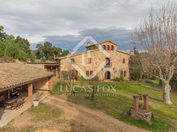 748m² Country house with 12,000m² garden for sale in La Selva