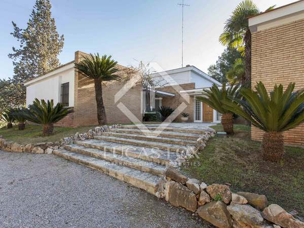 577m² House / Villa for sale in Godella / Rocafort