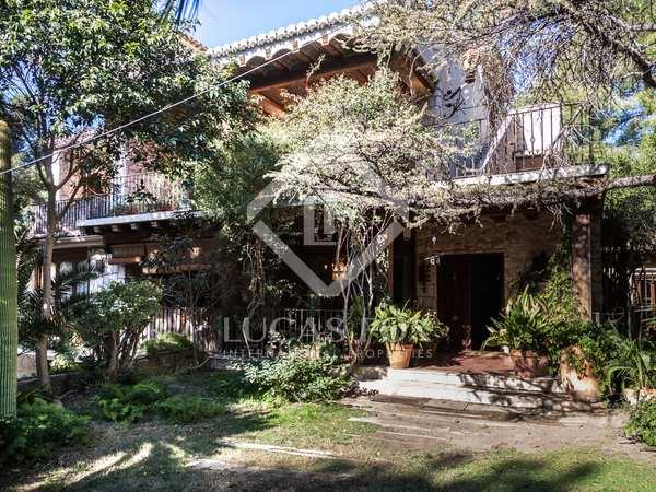 894m² Hus/Villa till salu i Godella / Rocafort, Valencia