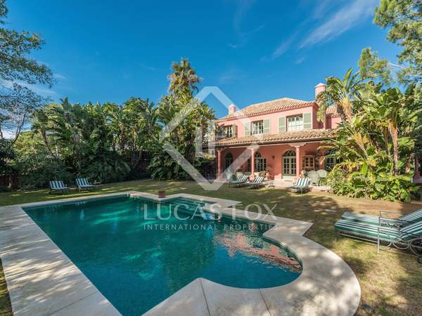 Classic 5-bedroom villa for sale in La Chapas, Marbella