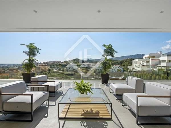 Huis / Villa van 350m² te koop in Nueva Andalucía