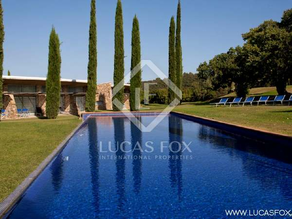 Hotel for sale in the Baix d'Emporda in Girona province