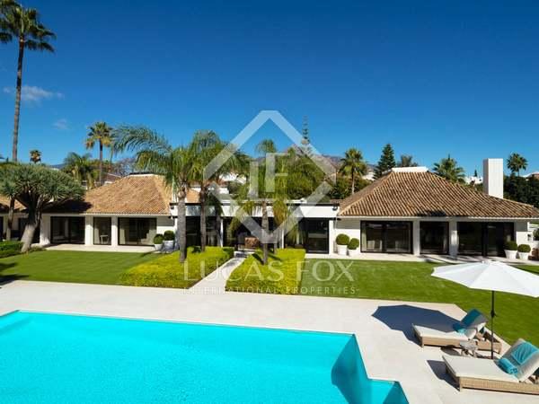 1,443m² Hus/Villa till salu i Nueva Andalucia