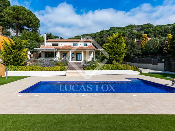 Villa de 450 m² en venta en San Andrés de Llavaneras