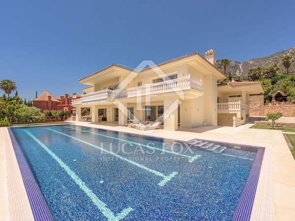 1,820m² House / Villa with 2,024m² garden for sale in Golden Mile