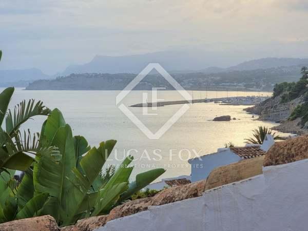 Casa / Villa de 130m² con 40m² terraza en venta en Moraira