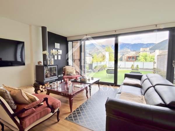 Casa de 317 m² con 297 m² de jardín en venta en La Massana