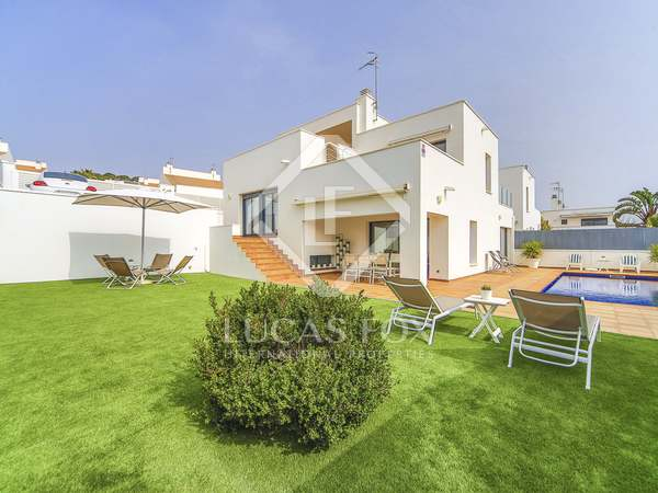 211m² House / Villa with 290m² garden for sale in Calafell