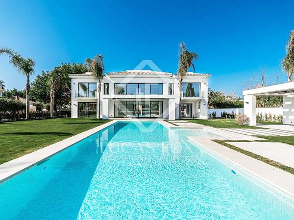 620m² House / Villa with 1,640m² garden for sale in San Pedro de Alcántara / Guadalmina