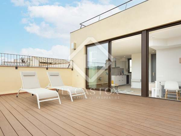 106m² Penthouse with 47m² terrace for sale in Eixample Left