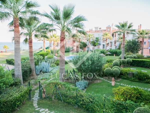Maison / Villa de 490m² a vendre à Estepona avec 280m² de jardin