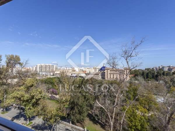 Piso de 174m² con 10m² terraza en venta en La Seu, Valencia