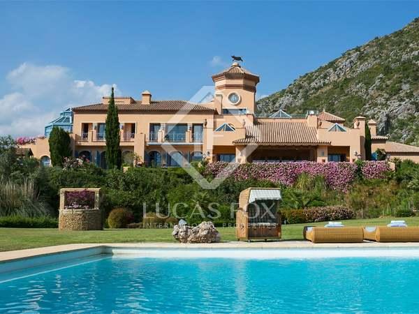 Загородный дом 2,700m² на продажу в Сьерра Бланка / Нагуелес