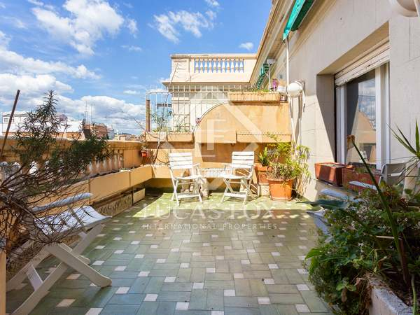 201m² penthouse with 15m² terrace for sale in Eixample Left