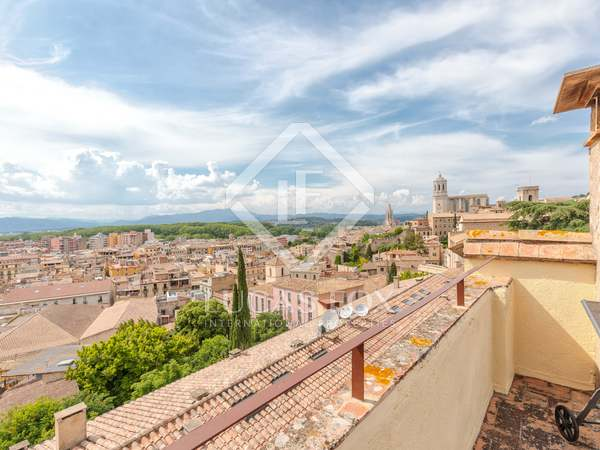 240 m² apartment for sale in Girona