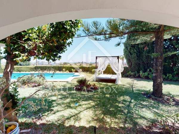 313m² House / Villa with 1,366m² garden for sale in Benahavís