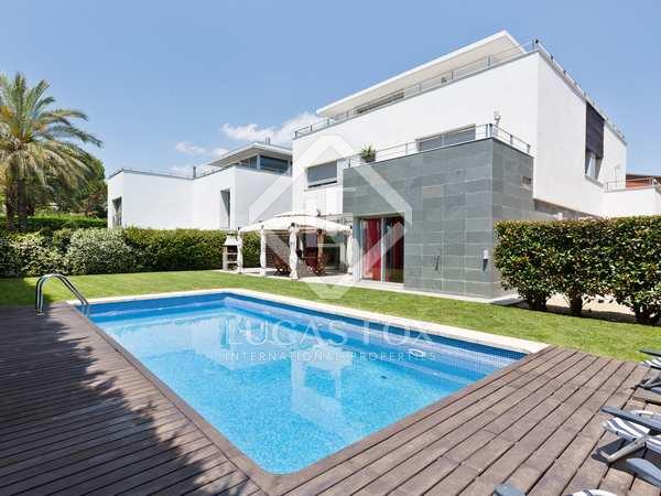 350m² House / Villa for sale in Mirasol, Barcelona