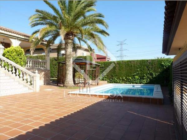 500 m² house with 40 m² terrace for rent in La Eliana