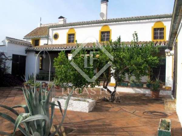 3,000m² Gård/Lantfastighet till salu i Sevilla, Andalusien
