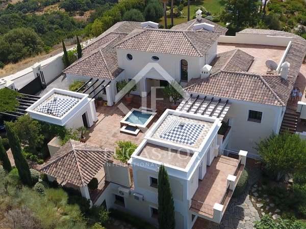 854m² House / Villa with 3,170m² garden for sale in Benahavís