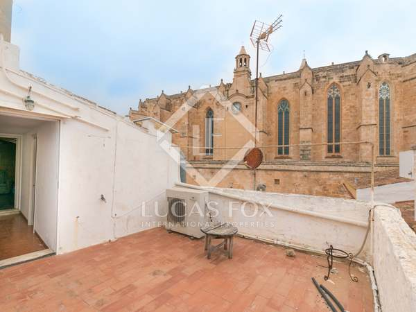 203m² House / Villa with 15m² terrace for sale in Ciudadela