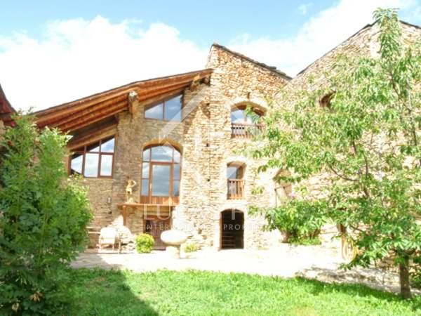 Дом / Вилла 500m² на продажу в Альт Уржель, Андорра