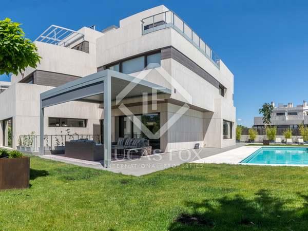 600m² House / Villa for sale in Aravaca, Madrid
