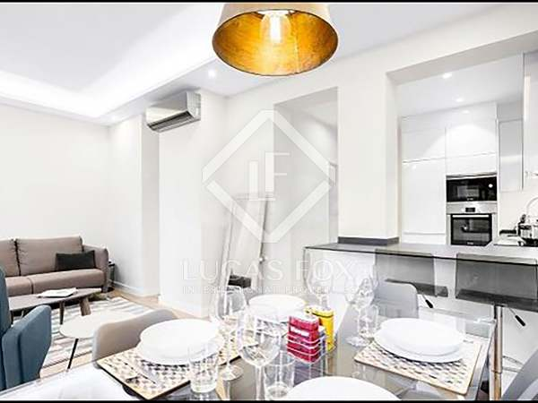 93 m² apartment for rent in Almagro, Madrid