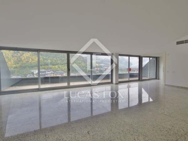 215m² Apartment with 25m² terrace for sale in Andorra la Vella