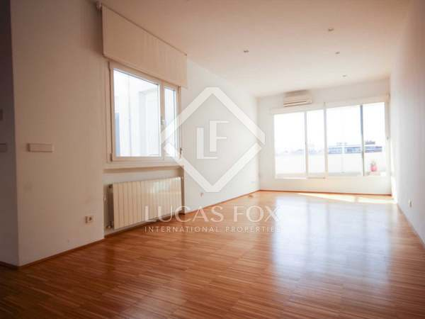 100 m² penthouse with 25 m² terrace for rent in Castellana