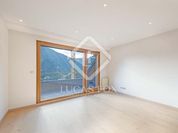 Piso de 140m² con terraza de 7m² en venta en Escaldes, Andorra