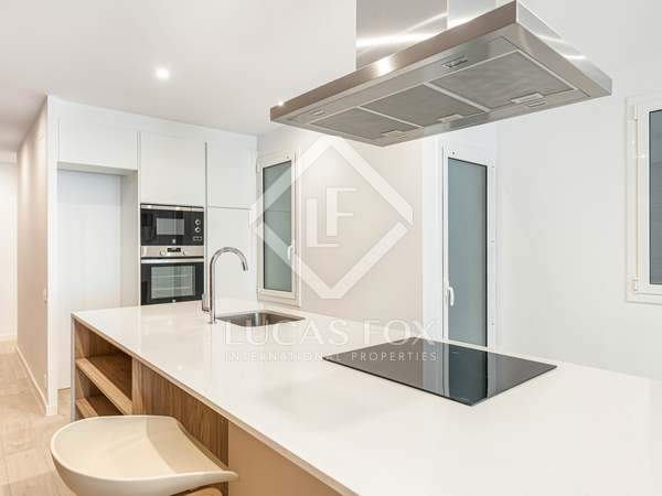 111m² Apartment for sale in Sant Antoni, Barcelona