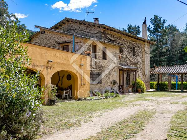 535m² Country house for sale in Sant Vicenç de Montalt