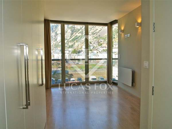 Modern newly built 4 bedroom apartment for sale in Andorra