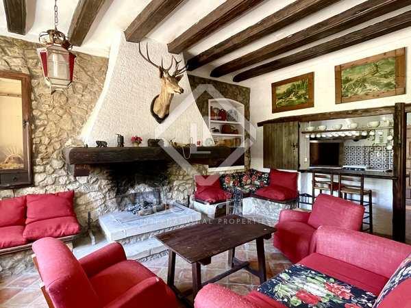 811m² House / Villa for sale in Alicante ciudad, Alicante